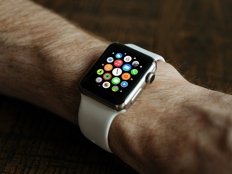 Can you game on an Apple Watch?